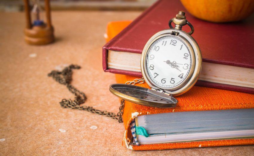 کتاب و ساعت