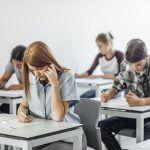 چگونه سر جلسه امتحان تمرکز داشته باشیم ، 5 راهکار جادویی