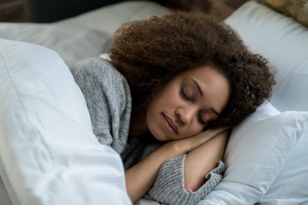 دختر خوابیده