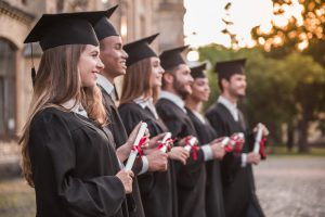 دانشجویان فارغ التحصیل