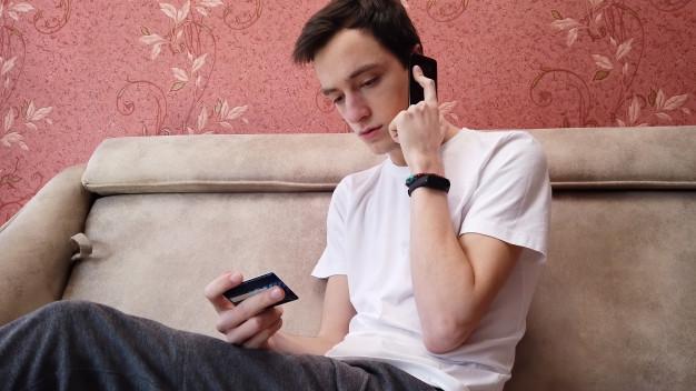 رفع استرس شب امتحان با حرف زدن با دوستان