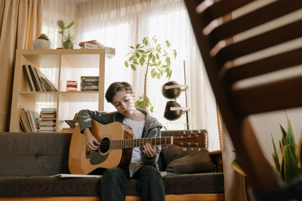 گیتار زدن
