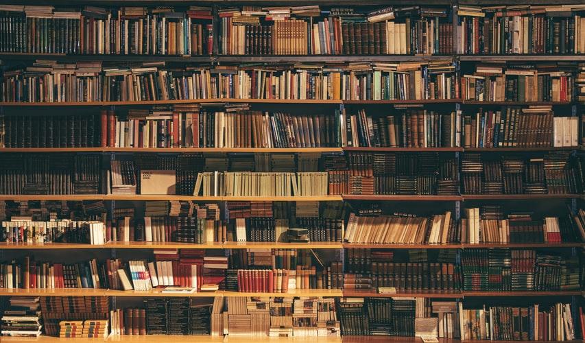 در خانه درس بخوانیم یا کتابخانه
