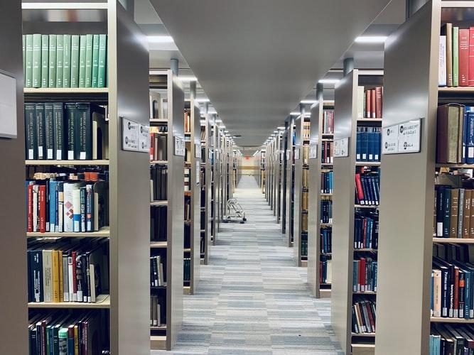 مزایای درس خواندن در کتابخانه