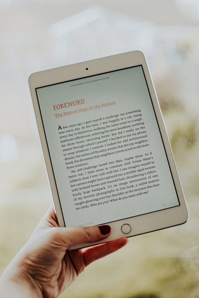 کتاب الکترونیکی برای خواندن یک کتاب در یک روز