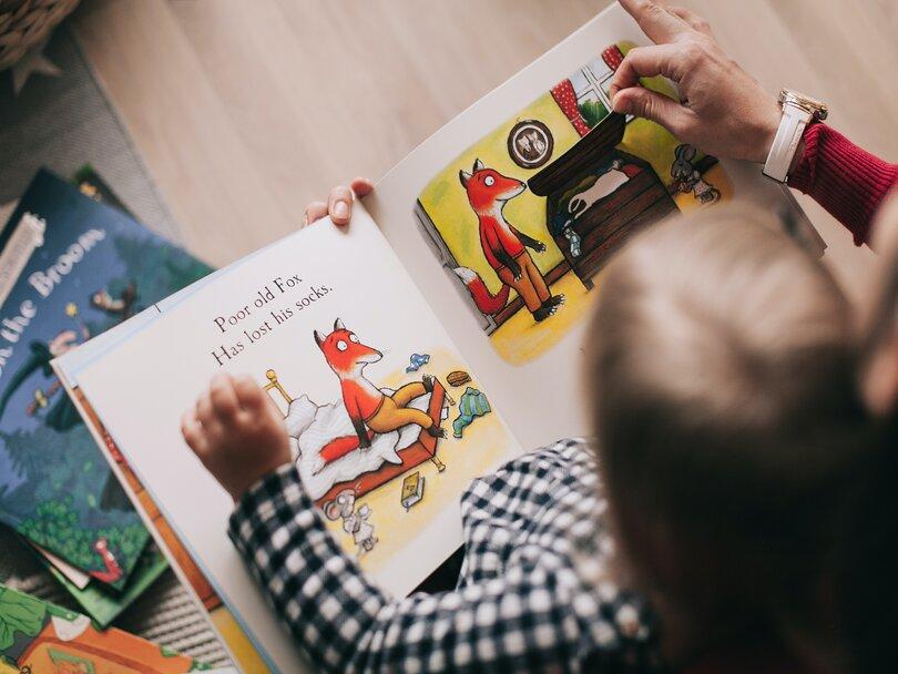 بازی و داستان کوتاه برای آموزش زبان