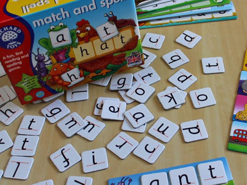 بازی کارتی برای تقویت املای زبان انگلیسی