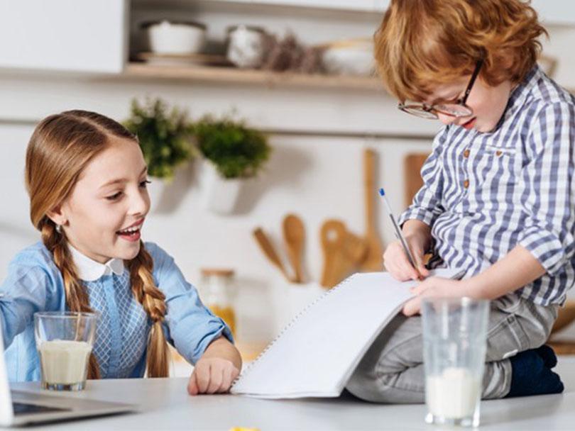 چگونه املا زبان را با پارتنر یاد بگیریم