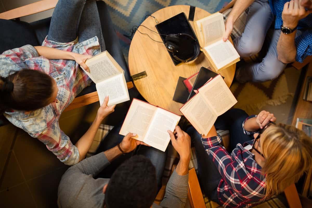 چگونه کتابخوان شویم گروهی عادت مطالعه