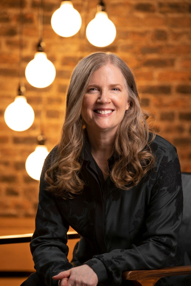 سوزان کالینز از پردرآمدترین نویسندگان جهان