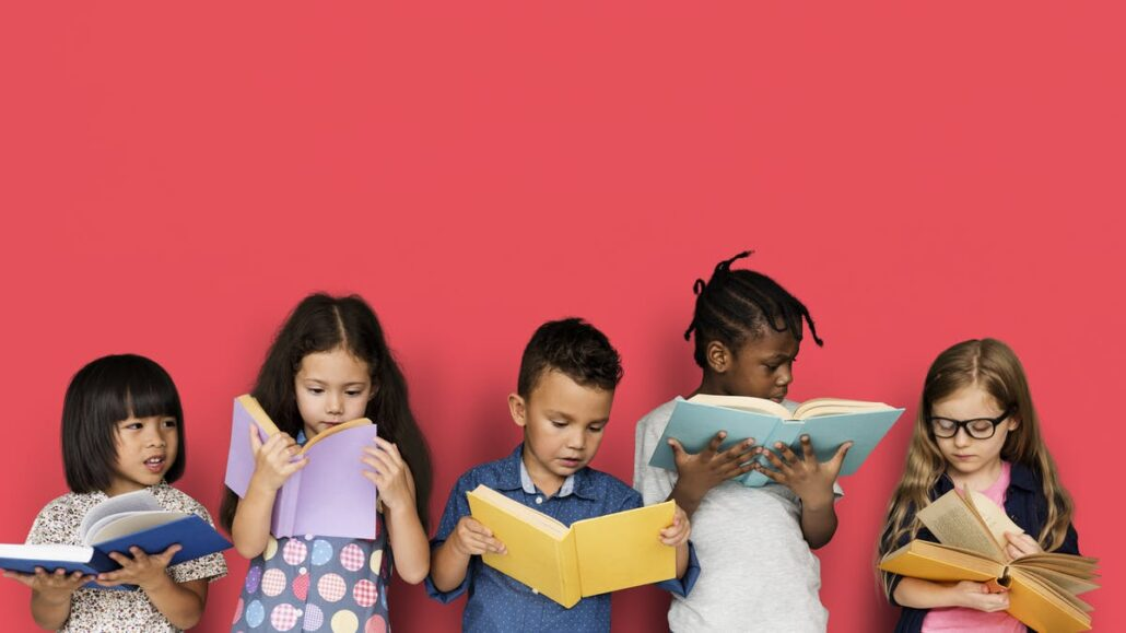 چگونه کتاب مناسبی برای کودکان انتخاب کنیم ؟