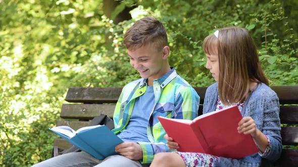 نوجوان کتابخوان
