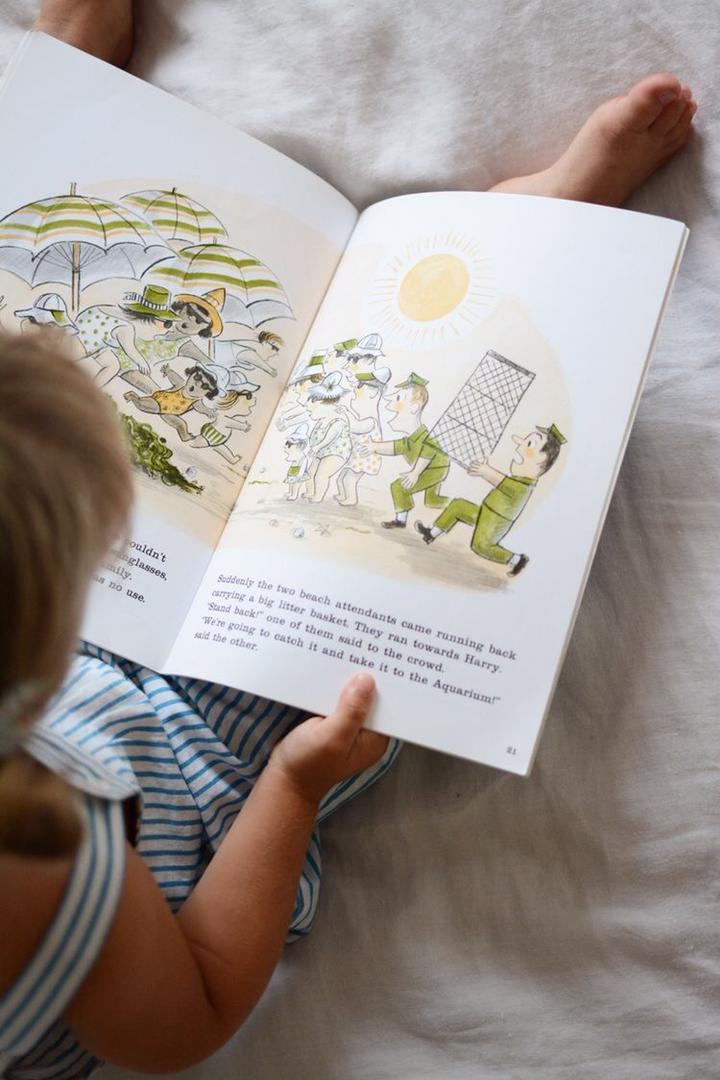 تصویر فواید کتابخوانی برای کودکان