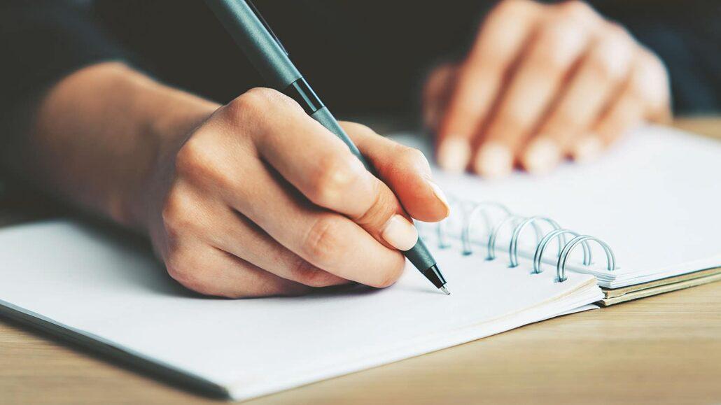 نوشتن نقد کتاب
